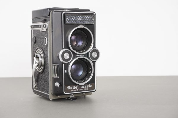 Rollei Magic I TLR camera with 3.5/75 Xenar lens