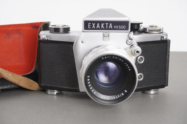 Carl Zeiss Jena Biotar 58mm 1:2 lens on Exakta VX500 camera body