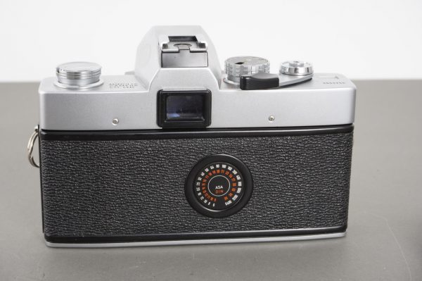 Minolta SRT303 camera body