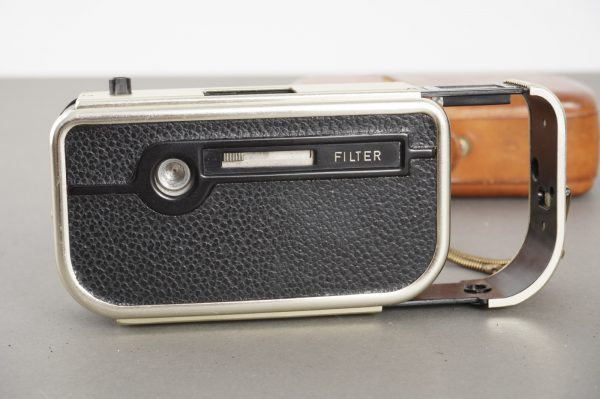 Mec 16 subminiature camera with Color-Ennit 20mm 1:2.8 lens