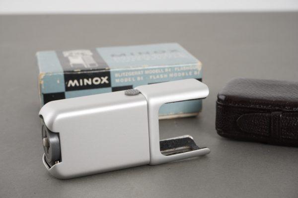 Minox Flashgun Model B4 – boxed