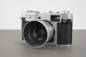 Royal 35-M coupled rangefinder camera with Tominor lens