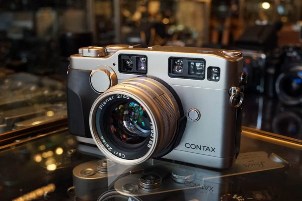 Contax G2 kit with Carl Zeiss Planar 2 / 45mm lens