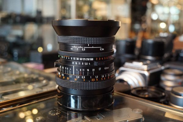Carl Zeiss Distagon 4 / 40 T* CF lens for Hasselblad