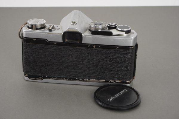 Olympus Zuiko 28mm 1:3.5 on OM-1 MD camera