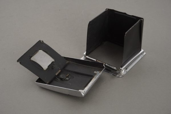 Early Hasselblad WLF, in parts