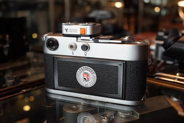Leica M4 + Leitz Summaron 2.8 / 35mm – Rental