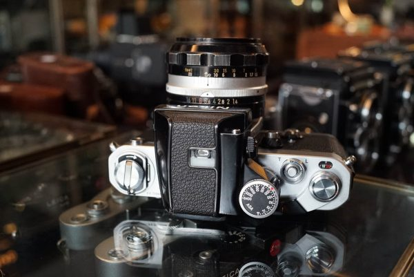 Nikon F2 kit + Nikkor-SC 1.4 / 50mm lens