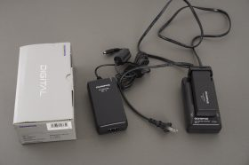 Olympus AC-1 Adapter (boxed) + BCL-1 charger + BLL-1 battery, for E1