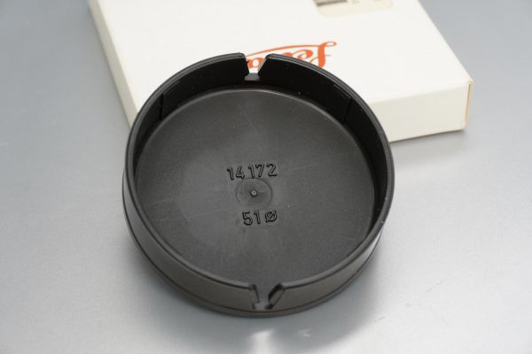 Leica 14172 Front lens cap for Elmarit-R 2.8 / 28mm lens. Boxed