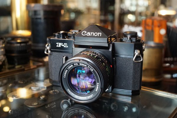 Canon F-1 kit + Canon FD 1.4 / 50mm lens